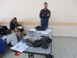 Alexandre Etournaud surveille l'épreuve de grand test